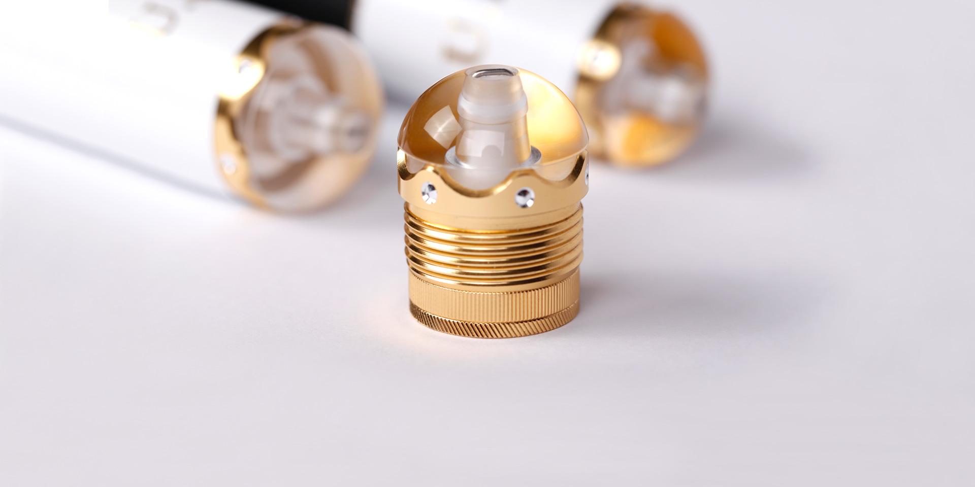 合金嵌钻工艺水晶后堵可360°旋转隐藏失手环,并装配可卸式纯金属配重件可随心所欲调节重心