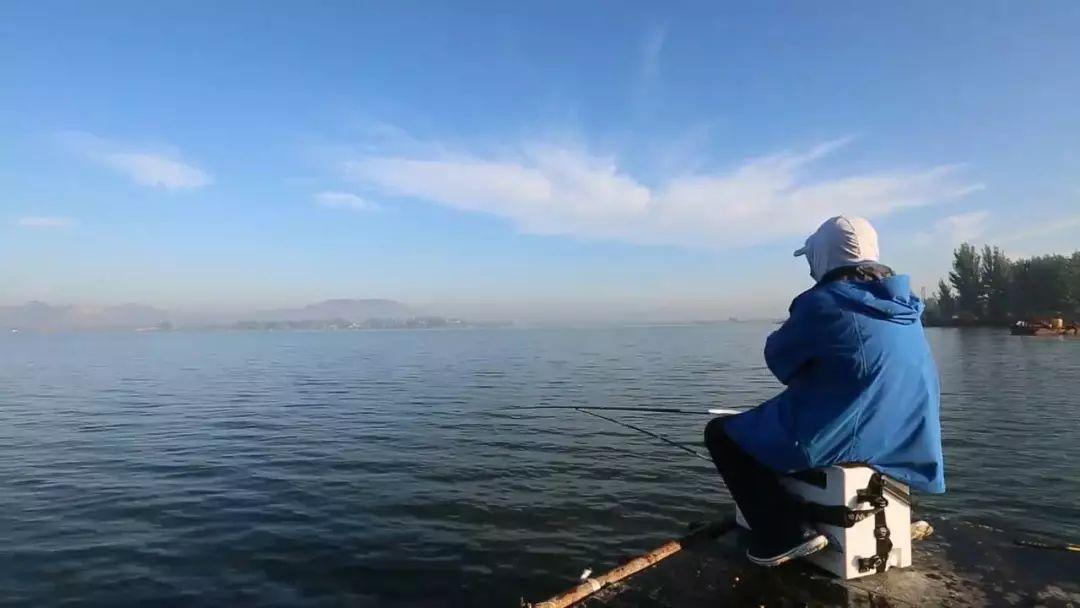 冬季由于气温降低了之后,长竿钓深水可以吗?